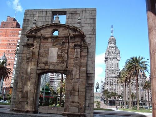 REVEILLON 2018 | Pacote Montevideo e Punta del Este, Uruguai | Aéreo e Terrestre